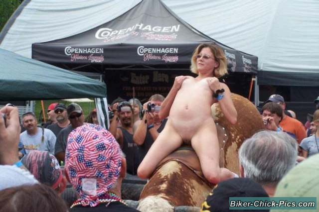 nude babes at biker rally